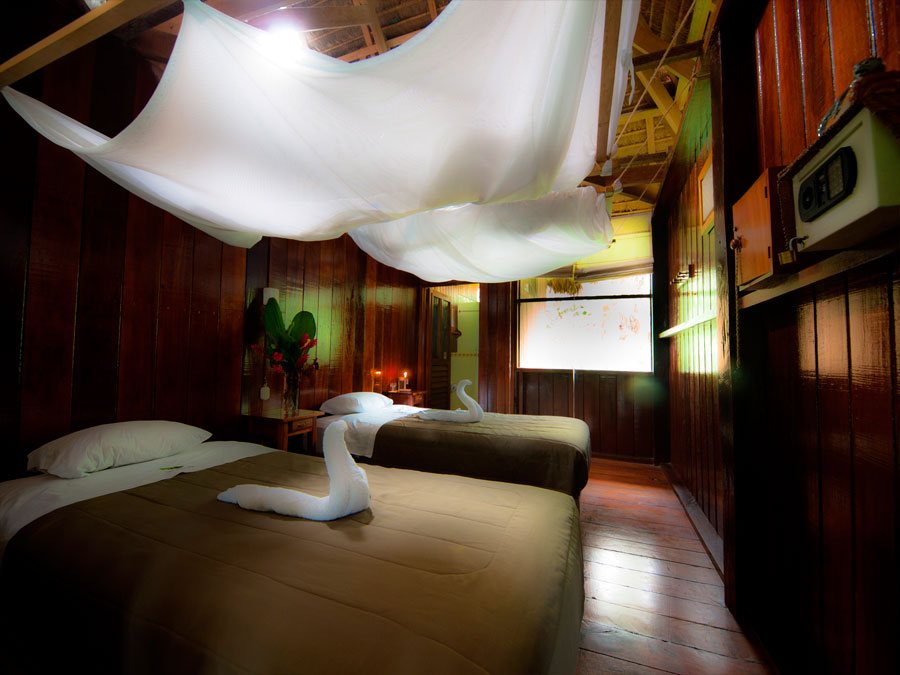 sandoval lake lodge amazon peru rainforest ,trips peru ,peru amazon, peru nature ,